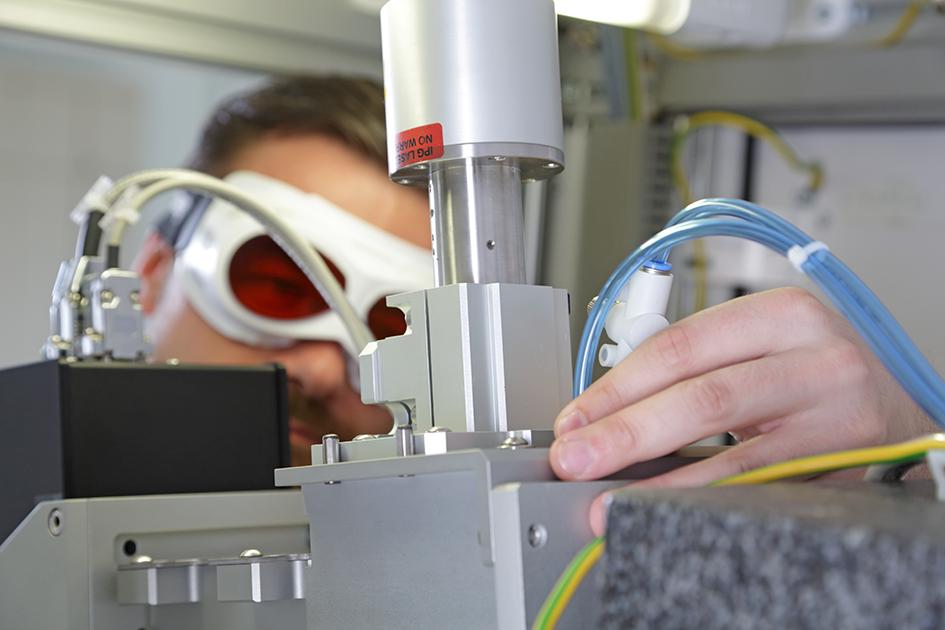 Laser micromachining expert